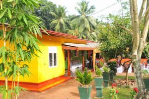 Jagath Sumathipala - Dining room donation for Dompe Bandaranayake Elders Home 2018 03